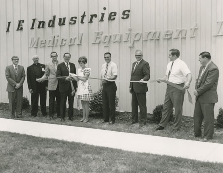 4-Versailles-Plant-Ribbon-Cutting